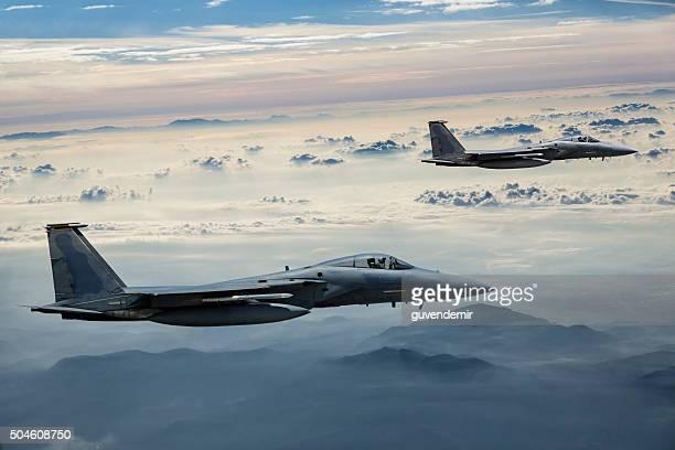 F - 15 Eagles in volo