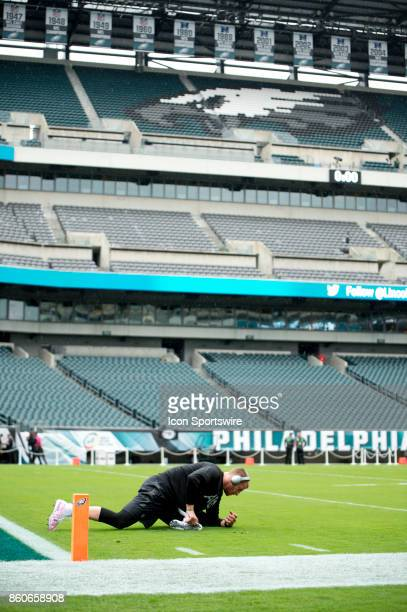 Eagles QB Carson Wentz warms up before the game between the Arizona Cardinals and Philadelphia Eagles on October 08 2017 at Lincoln Financial Field...