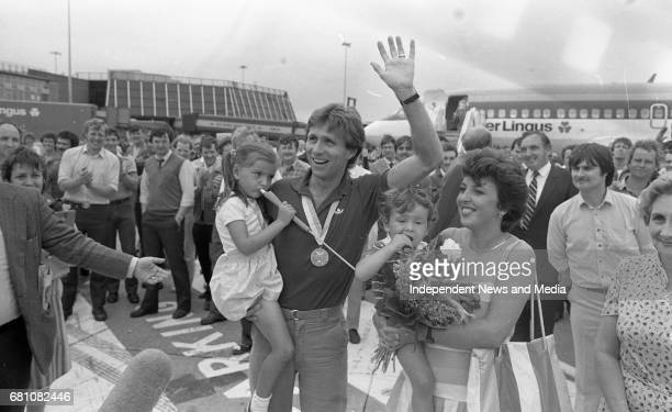 Eamonn Coghlan arriving at Dublin airport after winning Gold in 5000m World Championships in Helsinki