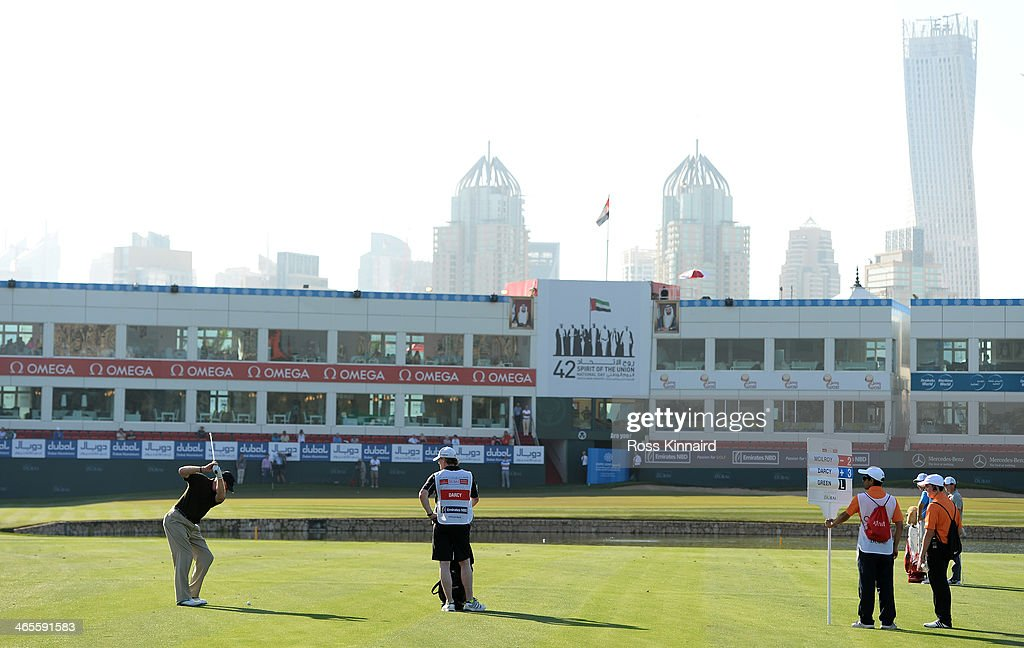 Eamonn Darcy of Ireland on the 18th hole during the Champions Challenge prior to the Omega Dubai Desert Classic on the Majlis Course on January 28...