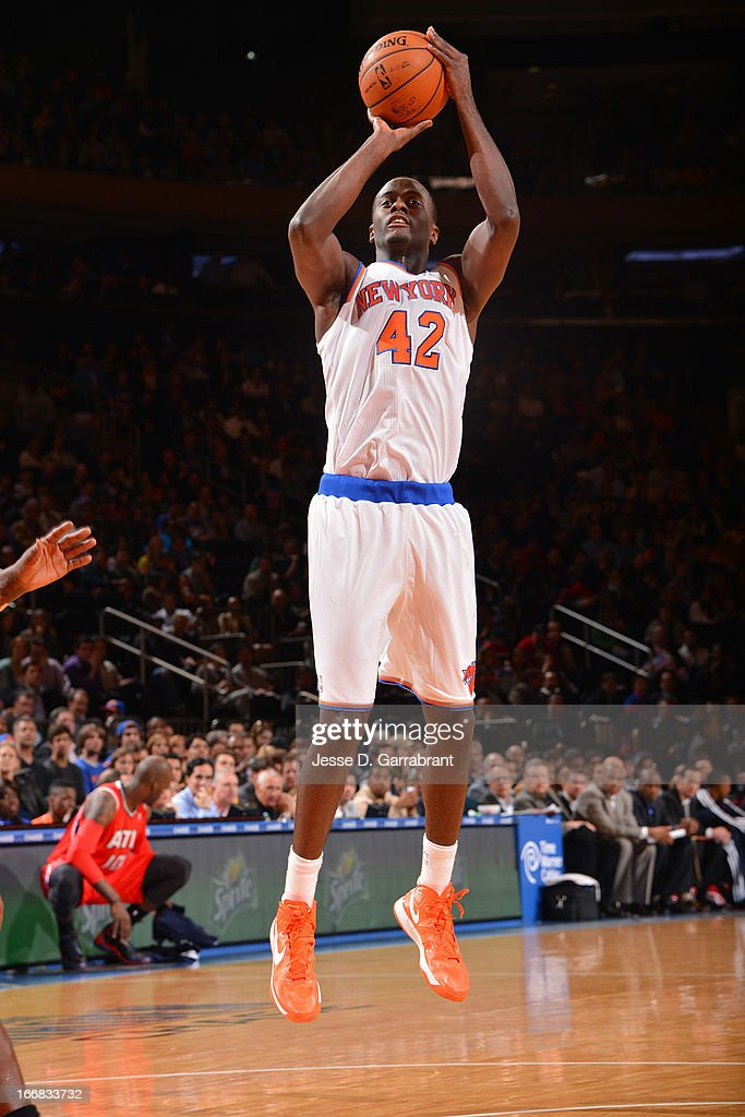 Earl Barron #42 of the New York Knicks shoots a jumper against the Atlanta Hawks on April 17, 2013 at Madison Square Garden in New York City, New York.