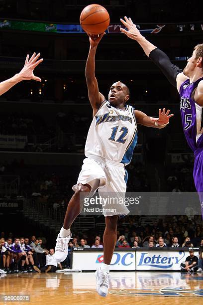 Earl Boykins of the Washington Wizards goes to the basket against the Sacramento Kings during the game on January 16 2010 at the Verizon Center in...