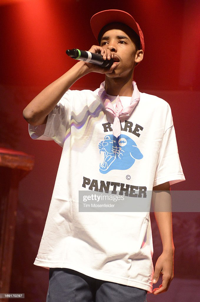 <a gi-track='captionPersonalityLinkClicked' href=/galleries/search?phrase=Earl+Sweatshirt&family=editorial&specificpeople=9601494 ng-click='$event.stopPropagation()'>Earl Sweatshirt</a> of Tyler, The Creator & <a gi-track='captionPersonalityLinkClicked' href=/galleries/search?phrase=Earl+Sweatshirt&family=editorial&specificpeople=9601494 ng-click='$event.stopPropagation()'>Earl Sweatshirt</a> performs in support of Tyler's 'The Wolf' release at The Regency Ballroom on May 20, 2013 in San Francisco, California.