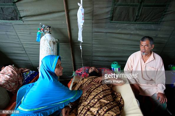 Earthquake victims get treatment at the General Hospital on December 7 2016 in Sigli Aceh Province Indonesia An undersea earthquake struck...