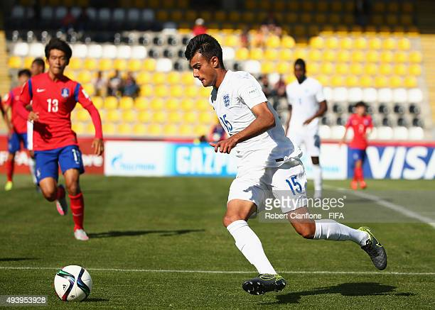 Easah Suliman of England runs with the ball during the FIFA U17 World Cup Group B match between Korea Republic and England at Estadio Francisco...