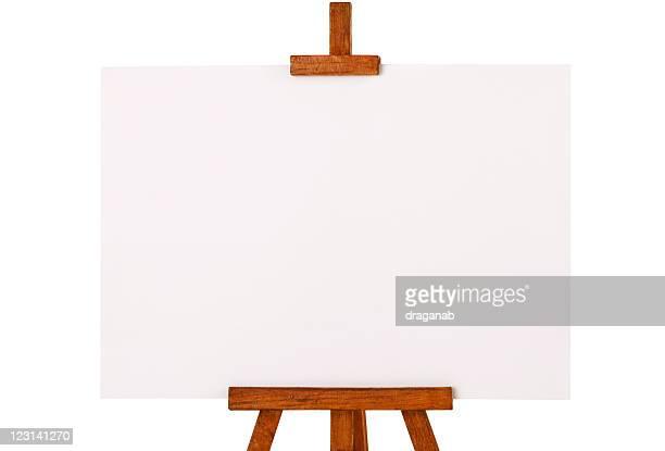 Cavalletto con tela bianca