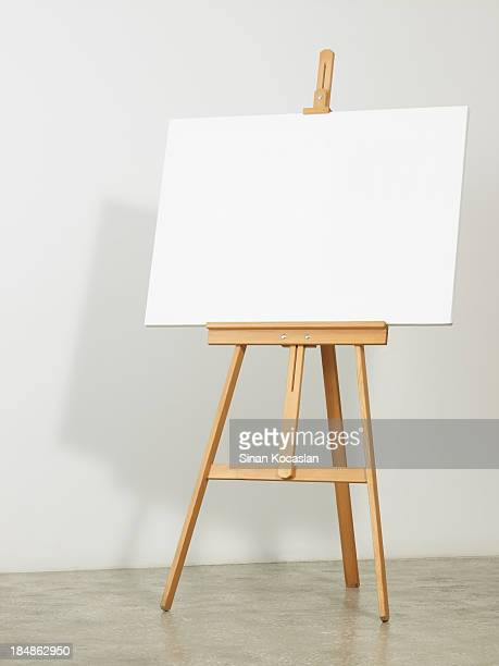 Easel with horizontal canvas