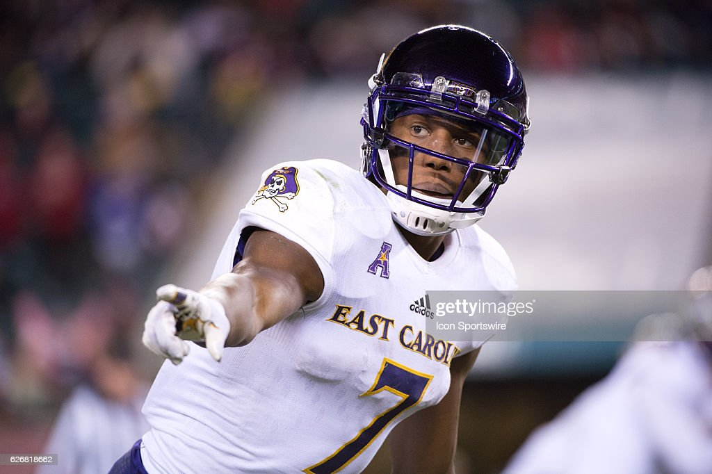 East Carolina WR Zay Jones (7) checks in with a referee in the first half during the game between the East Carolina Pirates and the Temple Owls on November 26, 2016 at Lincoln Financial Field in Philadelphia, PA.