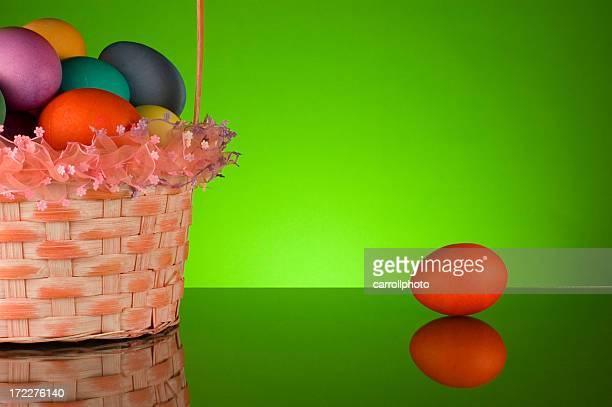 Ostern-Korb und Eier