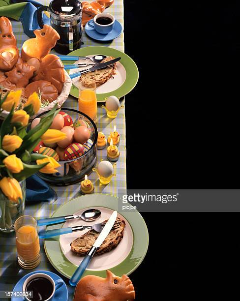 table de petit déjeuner pour Pâques