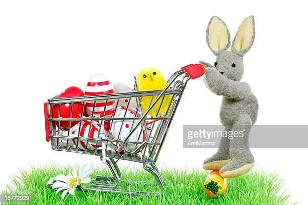 Osterhase mit Einkaufswagen