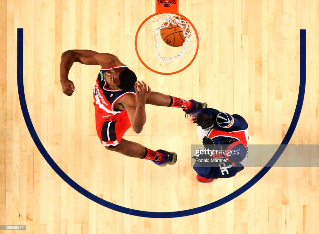 Eastern Conference All-Star <a gi-track='captionPersonalityLinkClicked' href=/galleries/search?phrase=John+Wall&family=editorial&specificpeople=2265812 ng-click='$event.stopPropagation()'>John Wall</a> #2 of the Washington Wizards competes in the Sprite Slam Dunk Contest 2014 as part of the 2014 NBA All-Star Weekend at the Smoothie King Center on February 15, 2014 in New Orleans, Louisiana.
