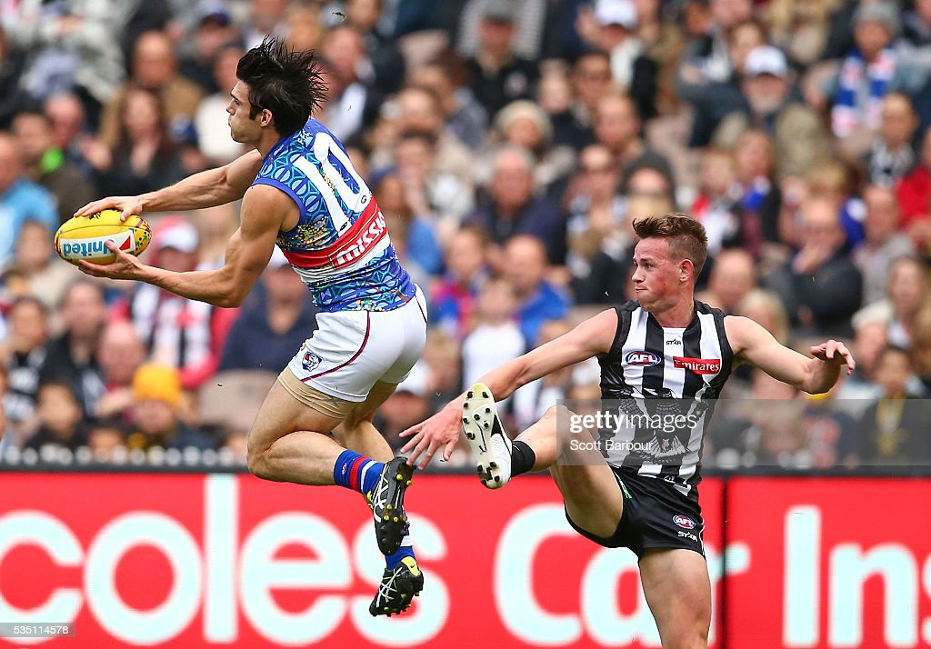 Easton Wood of the Bulldogs takes a mark during the round 10 AFL match between the Collingwood Magpies and the Western Bulldogs at Melbourne Cricket Ground on May 29, 2016 in Melbourne, Australia.