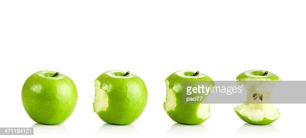 Comer una manzana verde