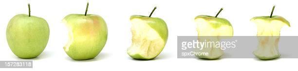 Comiendo una manzana