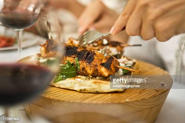 Restaurant kebab photos et images de collection getty images for Cuisinier kebab