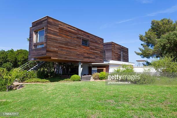 エコとモダンなデザインの家