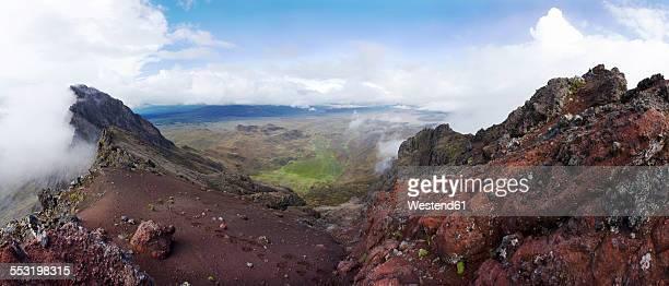 Ecuador, Pichincha, Cotopaxi National Park, Ruminahui volcao
