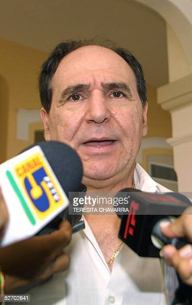 Ecuador' s former President Abdala Bucaram speaks to journalist at the Foreign Affairs Ministry in Panama where he arrived seeking political asylum...