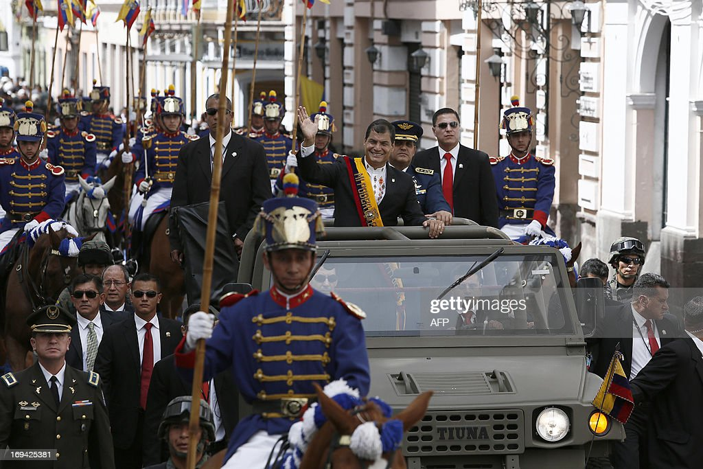 Ecuadorean President Rafael Correa arrives at the Carondelet Presidential Palace in Quito on May 24, 2013 after being sworn in to a second term Friday, with energy reform and expanded overseas trade topping his agenda. AFP PHOTO/Pablo COZZAGLIO