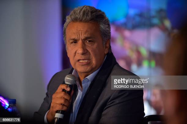 Ecuadorean presidential candidate Lenin Moreno speaks with foreign correspondents during a press conference in Quito on March 22 2017 / AFP PHOTO /...