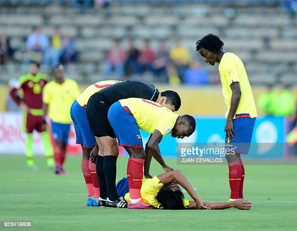 Ecuador's Arturo Mina lies on the ground during their 2018 FIFA World Cup qualifier football match in Quito on November 15 2016 / AFP / JUAN CEVALLOS