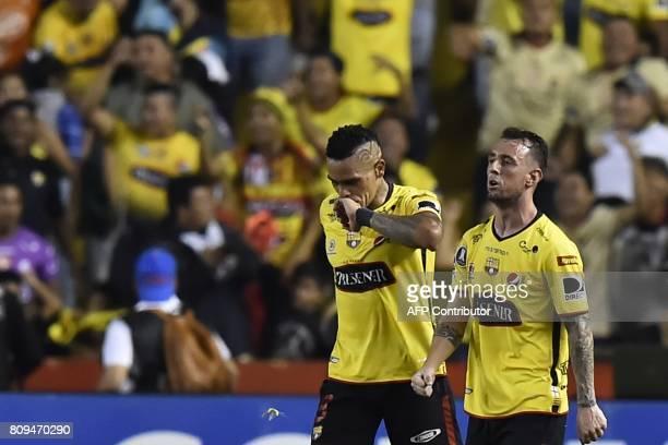 Ecuador's Barcelona player Jonatan Alvez celebrates with his teamate Damian Diaz after scoring against Palmeiras from Brazil during their 2017 Copa...