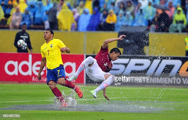 Ecuador's forward Jefferson Montero vies with Bolivia's Juan Carlos Zampiery during their Russia 2018 FIFA World Cup South American Qualifiers...