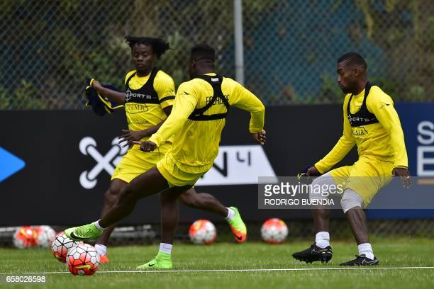 Ecuador's Juan Carlos Paredes Felipe Caicedo and Gabriel Achilier take part in a training session in Quito on 26 March 2017 ahead of their FIFA World...
