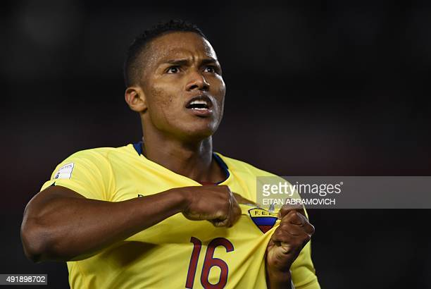 Ecuador's midfielder Antonio Valencia celebrates after his team scored against Argentina during their Russia 2018 FIFA World Cup qualifiers match at...