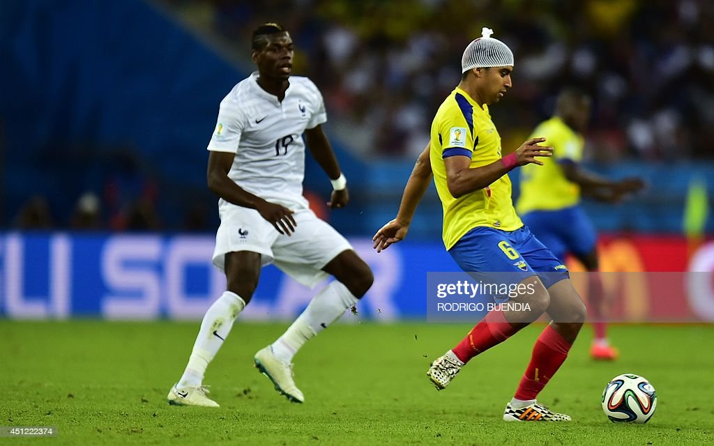 Ecuador's midfielder Cristhian Noboa plays with a bandaged head during a Group E football match between Ecuador and France at the Maracana Stadium in Rio de Janeiro during the 2014 FIFA World Cup on June 25, 2014.