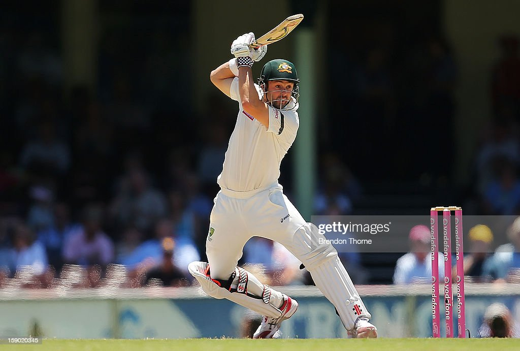 Ed Cowan of Australia bats during day four of the Third Test match between Australia and Sri Lanka at the Sydney Cricket Ground on January 6, 2013 in Sydney, Australia.
