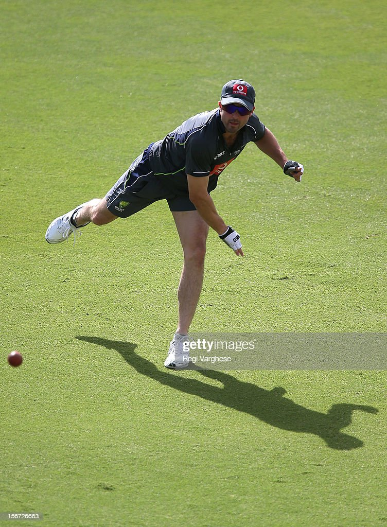<a gi-track='captionPersonalityLinkClicked' href=/galleries/search?phrase=Ed+Cowan&family=editorial&specificpeople=2207390 ng-click='$event.stopPropagation()'>Ed Cowan</a> throws the ball during an Australian training session at Adelaide Oval on November 20, 2012 in Adelaide, Australia.