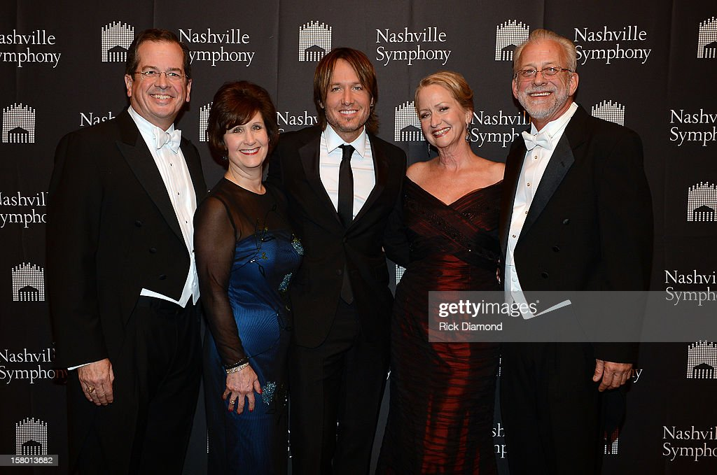 Ed Goodrich, Chairman of the Nashville Symphony Board of Directors, Nancy Goodrich, Keith Urban, Jan Beam and Alan Valentine, President and CEO of the Nashville Symphony attend Symphony Ball at Schermerhorn Symphony Center, where Keith Urban accepted the Harmony Award, on December 8, 2012 in Nashville, Tennessee.