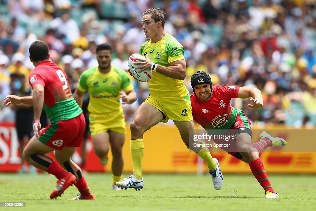 <a gi-track='captionPersonalityLinkClicked' href=/galleries/search?phrase=Ed+Jenkins+-+Rugbyspieler&family=editorial&specificpeople=14322294 ng-click='$event.stopPropagation()'>Ed Jenkins</a> of Australia runs the ball during the 2016 Sydney Sevens match between Australia and Portugal at Allianz Stadium on February 6, 2016 in Sydney, Australia.