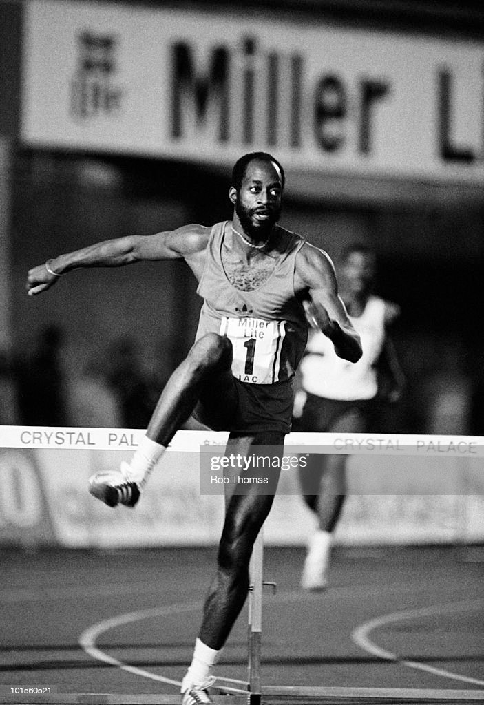 Ed Moses of the USA in action during the 400m hurdles event at the Miller Lite IAC meet held at Crystal Palace, London on 8th August 1986. (Bob Thomas/Getty Images).