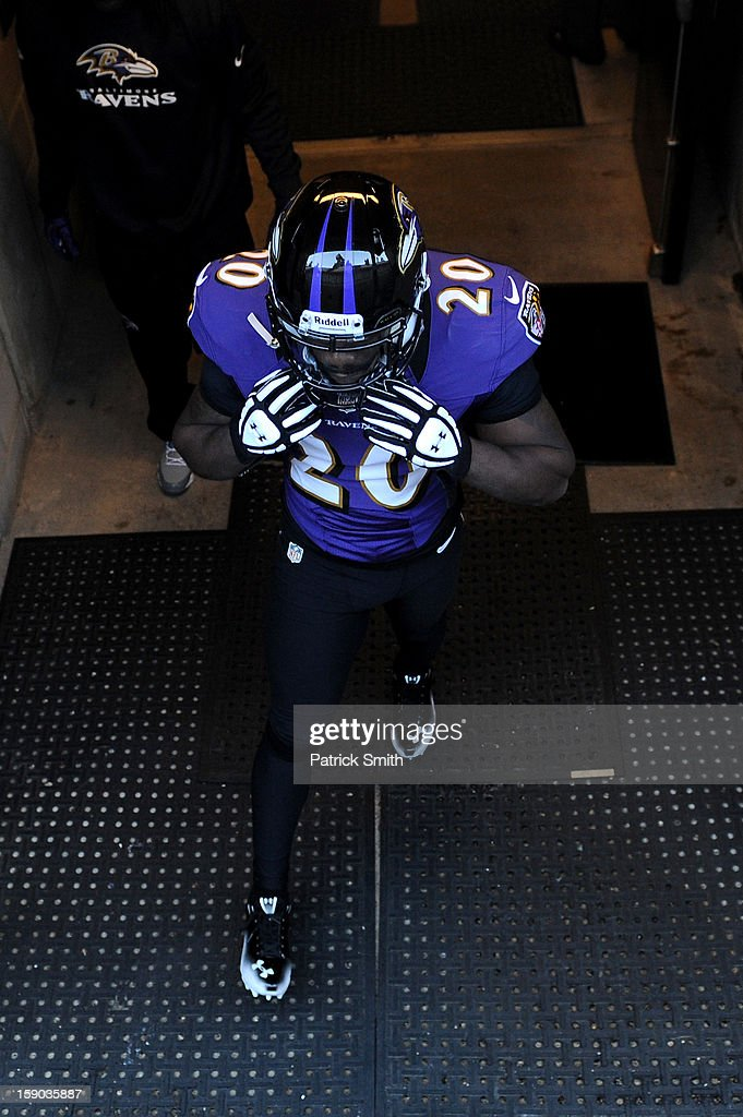 Ed Reed #20 of the Baltimore Ravens walks out of the locker room towards the field for warm ups against the Indianapolis Colts during the AFC Wild Card Playoff Game at M&T Bank Stadium on January 6, 2013 in Baltimore, Maryland.