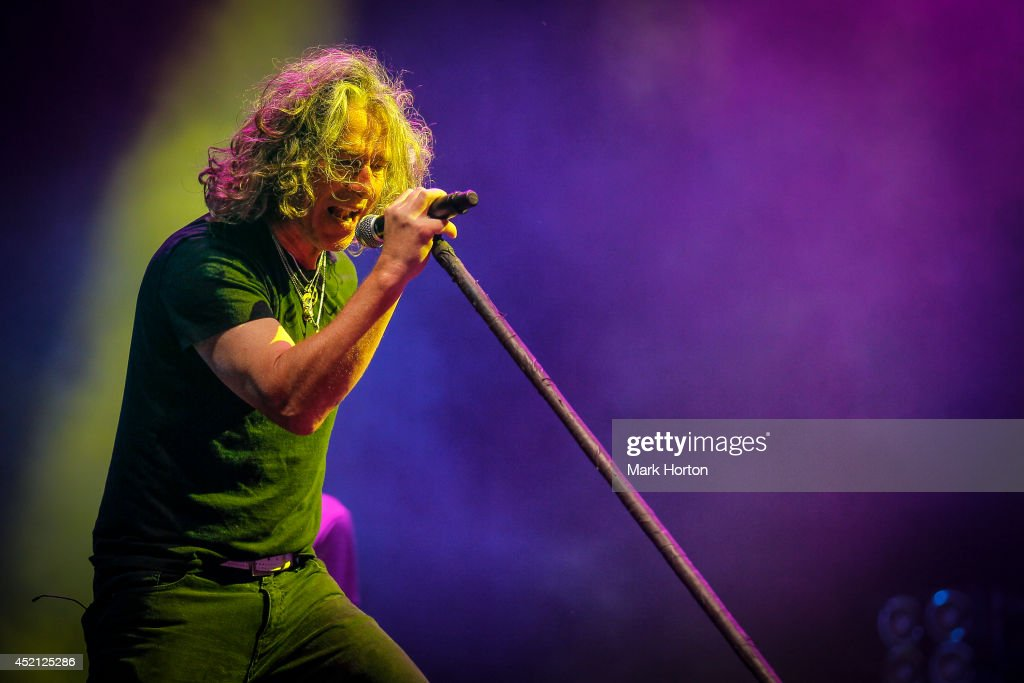 <a gi-track='captionPersonalityLinkClicked' href=/galleries/search?phrase=Ed+Roland+-+Musician&family=editorial&specificpeople=2123432 ng-click='$event.stopPropagation()'>Ed Roland</a> performs with Collective Soul on Day 10 of the RBC Royal Bank Bluesfest on July 13, 2014 in Ottawa, Canada.