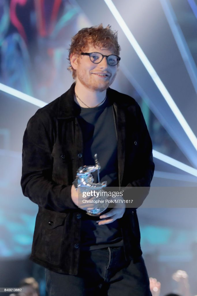 Ed Sheeran accepts the Artist of the Year award onstage during the 2017 MTV Video Music Awards at The Forum on August 27, 2017 in Inglewood, California.