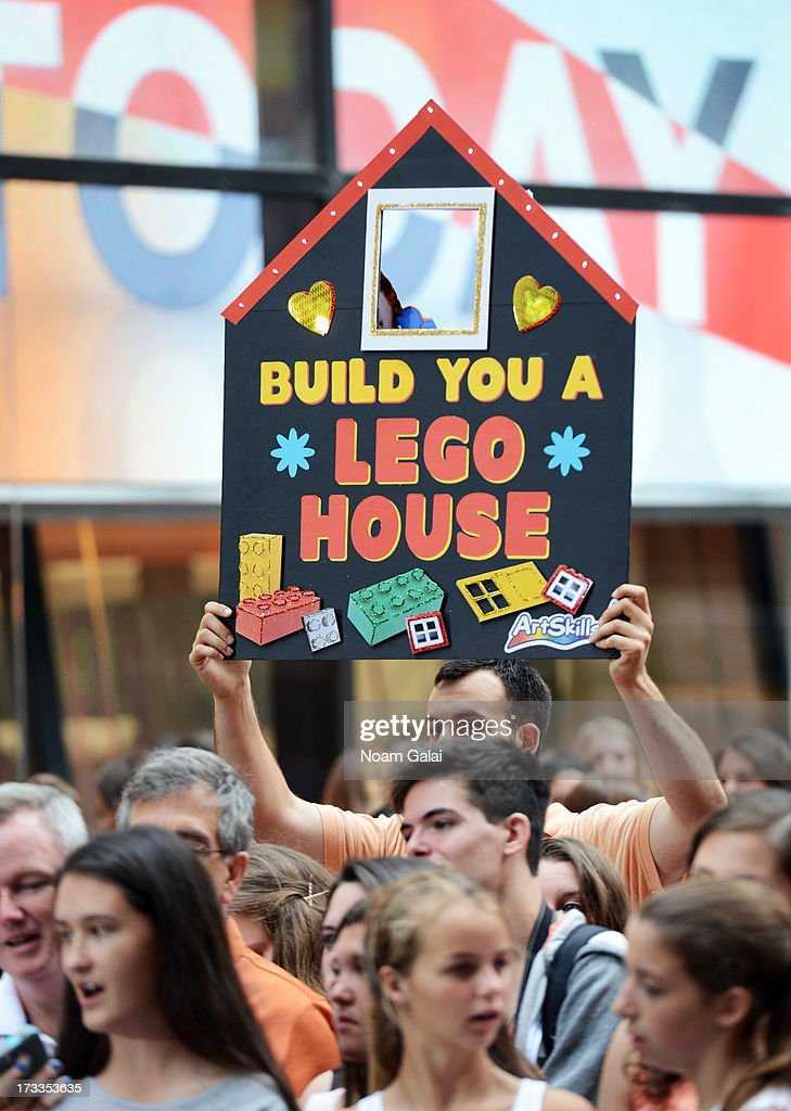 Ed Sheeran fans at NBC's TODAY Show on July 12, 2013 in New York, New York.
