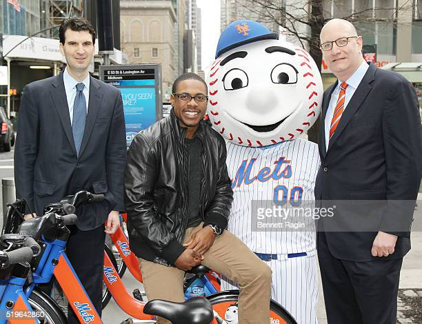Ed Skyler Head of Global Public Affairs Citi Curtis Granderson Mets outfielder Mr Met and Jay Walder CEO Motivate pose during launch of the Citi...