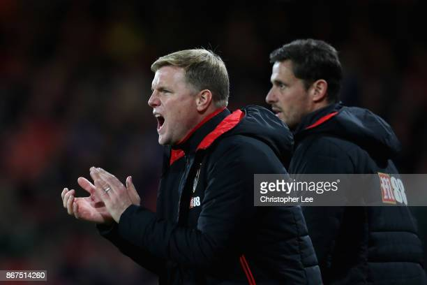 Eddie Howe Manager of AFC Bournemouth gives his team instructions during the Premier League match between AFC Bournemouth and Chelsea at Vitality...