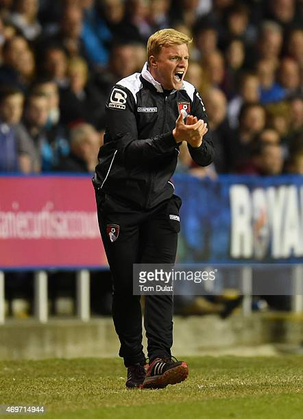 Eddie Howe manager of Bournemouth shouts during the Sky Bet Championship match between Reading and AFC Bournemouth at Madejski Stadium on April 14...