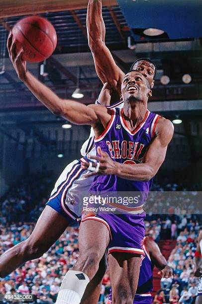 Eddie Johnson of the Phoenix Suns shoots against the Sacramento Kings circa 1988 at Arco Arena in Sacramento California NOTE TO USER User expressly...