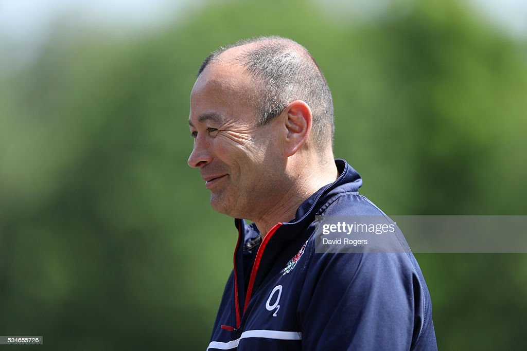 <a gi-track='captionPersonalityLinkClicked' href=/galleries/search?phrase=Eddie+Jones+-+Allenatore+di+rugby&family=editorial&specificpeople=13966519 ng-click='$event.stopPropagation()'>Eddie Jones</a> the England head coach, faces the media during the England media session held at Pennyhill Park on May 27, 2016 in Bagshot, England.