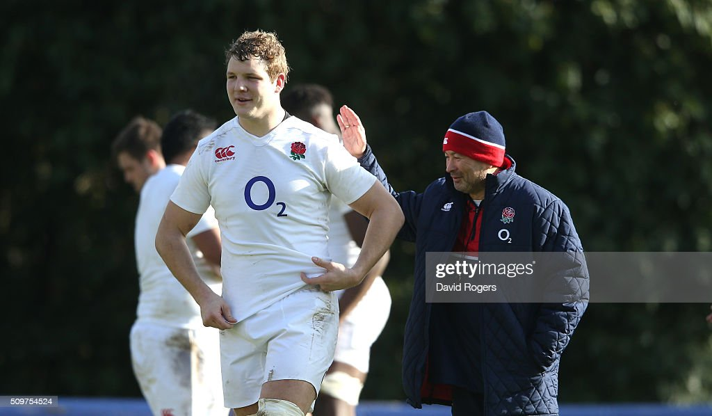 <a gi-track='captionPersonalityLinkClicked' href=/galleries/search?phrase=Eddie+Jones+-+Rugby+Coach&family=editorial&specificpeople=13966519 ng-click='$event.stopPropagation()'>Eddie Jones</a>, (R) the England head coach looks on with <a gi-track='captionPersonalityLinkClicked' href=/galleries/search?phrase=Joe+Launchbury&family=editorial&specificpeople=7440712 ng-click='$event.stopPropagation()'>Joe Launchbury</a> during the England training session held at Pennyhill Park on February 12, 2016 in Bagshot, England.