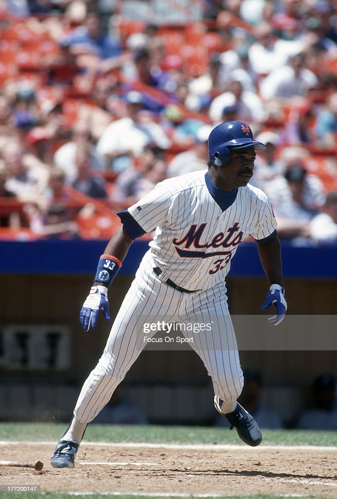 <a gi-track='captionPersonalityLinkClicked' href=/galleries/search?phrase=Eddie+Murray&family=editorial&specificpeople=210573 ng-click='$event.stopPropagation()'>Eddie Murray</a> #33 of the New York Mets bats during an Major League Baseball game circa 1993 at Shea Stadium in the Queens borough of New York City. Murray played for the Mets from 1992-93.