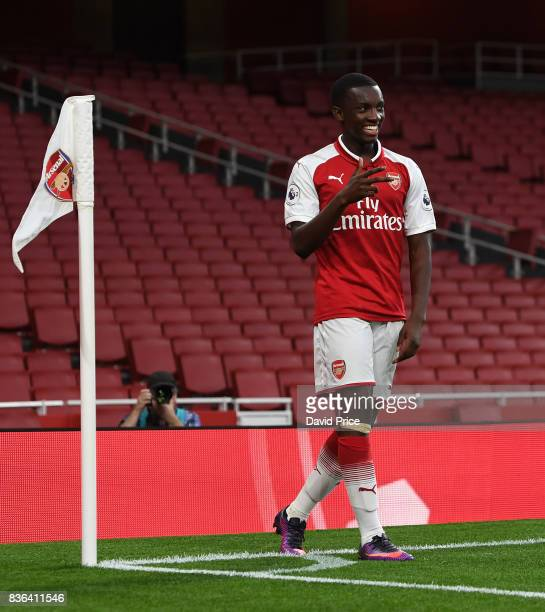 Eddie Nketiah celebrates scoring Arsenal's 3rd goal his 2nd during the match between Arsenal U23 and Manchester City U23 at Emirates Stadium on...