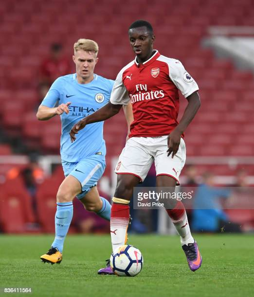 Eddie Nketiah of Arsenaltakes on Jacob Davenport of Man City during the match between Arsenal U23 and Manchester City U23 at Emirates Stadium on...