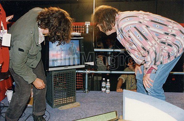 Eddie vedder and neil young during 1993 mtv video music for House music 1993